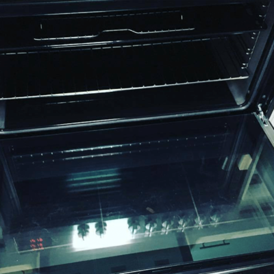 End of Lease Cleaning - Clean Oven